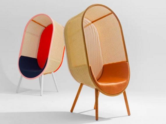 Датские дизайнеры сделали кресло-кокон из ротанга