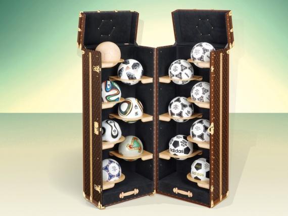 Louis Vuitton создал чемоданы для фанатов футбола