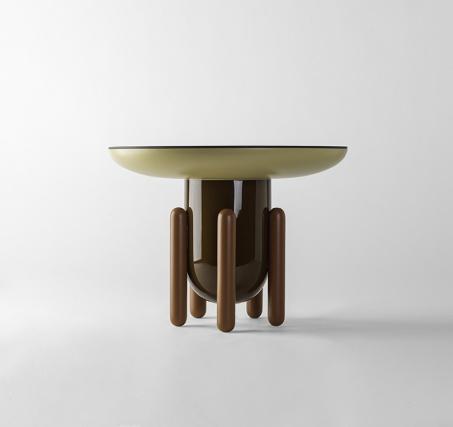Хайме Айон сделал прикроватные столики, вдохновленные желе