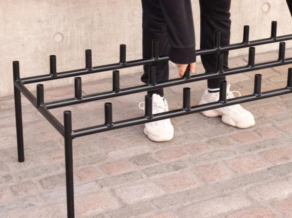 Цян Хуан делает мебель из велосипедов