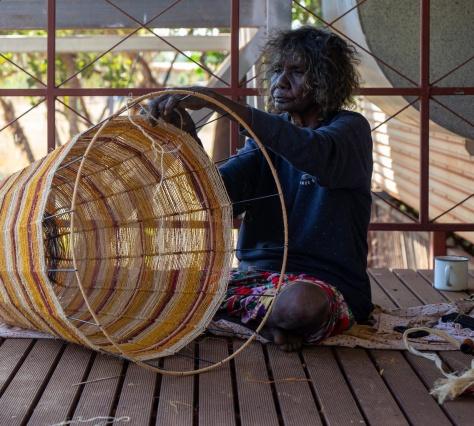 Koskela разработали коллекцию ламп вместе с австралийскими ремесленниками