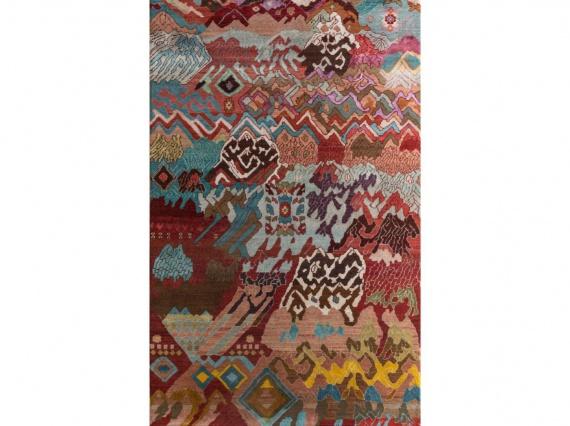 Индийская ремесленница Манджу Деви вручную соткала ковёр из двухсот тысяч узлов