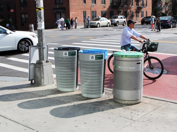 Новые мусорные баки в Нью-Йорке