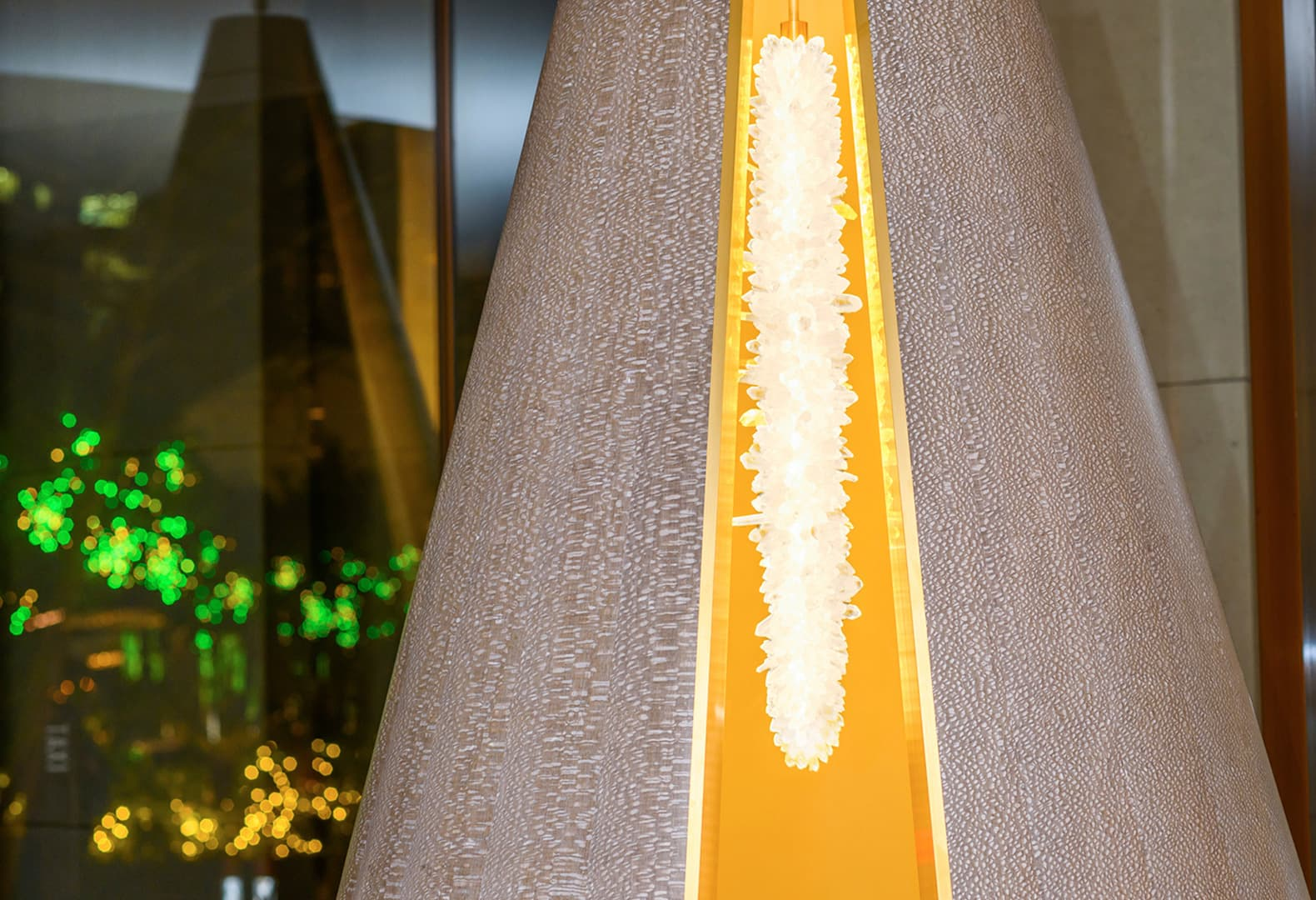 Светящийся конус от Фионы Баррат