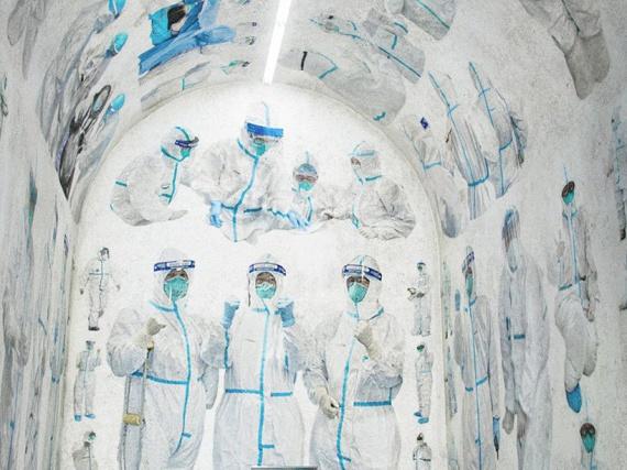 В провинции Хубэй расписали часовню в знак борьбы с коронавирусом