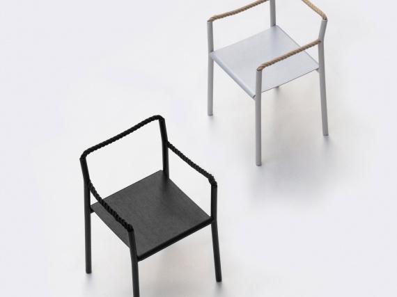 Братья Буруллеки создали кресло из сплошного куска веревки