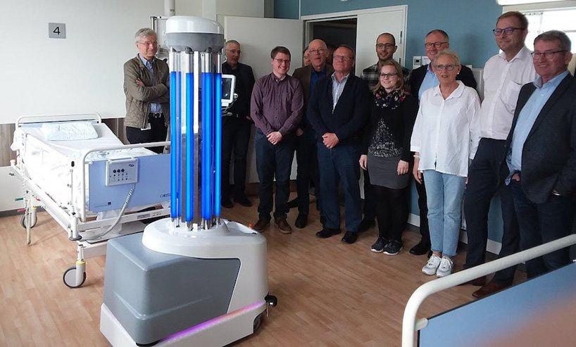 UVD robots создала роботов, помогающих в борьбе с коронавирусом