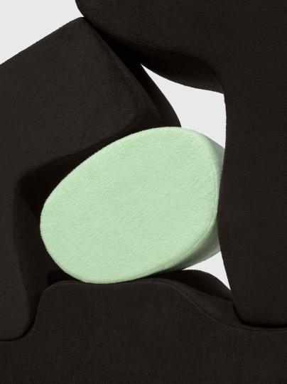 Раф Симонс представил коллекцию обивочных тканей