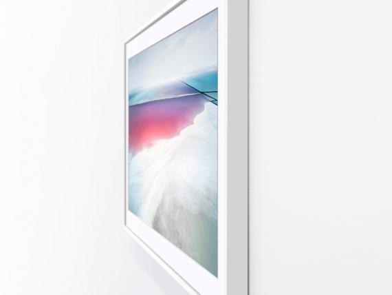 Yves Behar կազմել է Samsung հեռուստացույց, որը կարծես պատկերված է մի շրջանակի